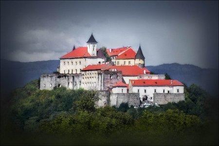 Долина нарциссов и замки западной Украины