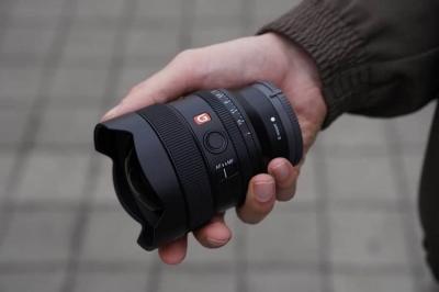 Sony FE 14 ММ F1.8 G - компактний ширококутний об'єктив із великою діафрагмою